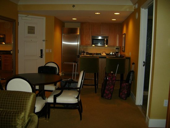 Trump International Hotel Las Vegas: Nice to have a fridge...