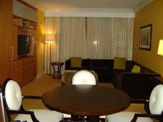 Trump International Hotel Las Vegas: Living room