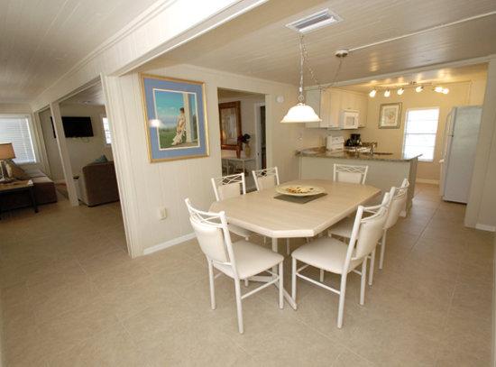 Island Time Inn: Room 7 Dining Room
