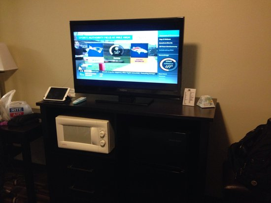 "Boarders Inn and Suites Ashland City, TN: 35"" TV"