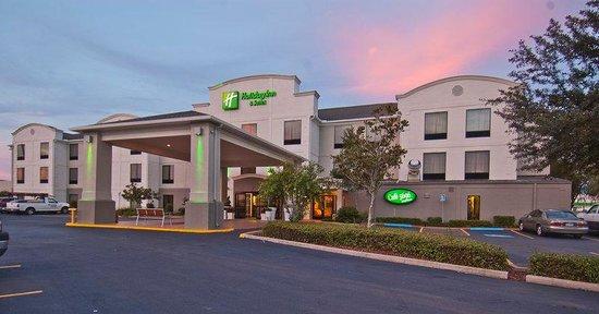 Holiday Inn Opelousas: Hotel Exterior