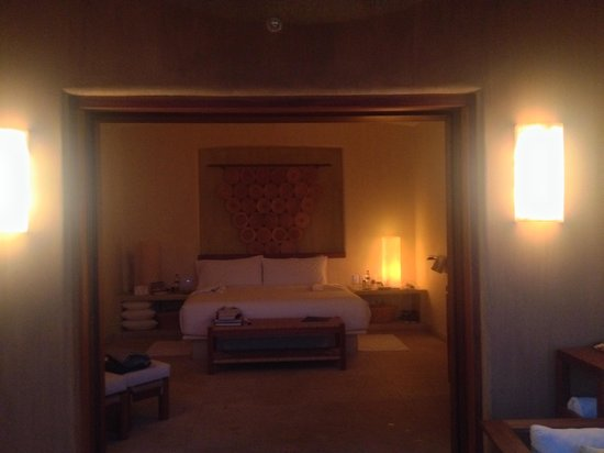 Capella Ixtapa: Bedroom at night
