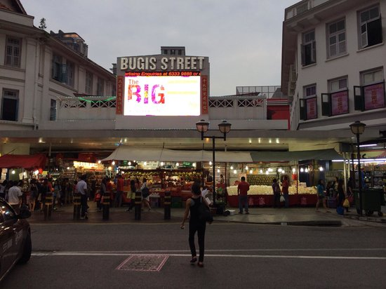 Ibis Singapore on Bencoolen : Bugis street
