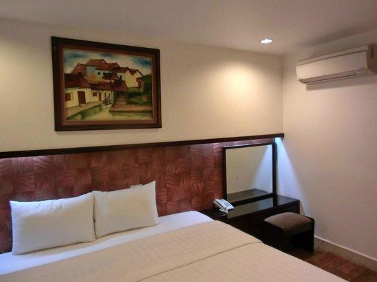 Hanoi Legacy Hotel - Bat Su : 部屋