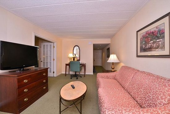 The Atherton Hotel: Standard Suite