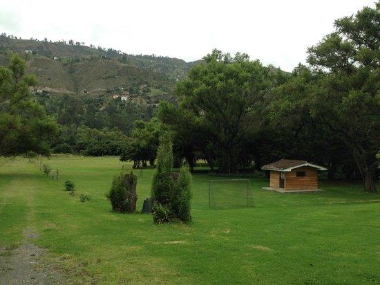 Hacienda Uzhupud: Jardines