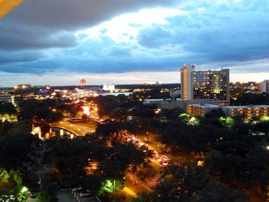 Holiday Inn Orlando – Disney Springs Area : Beautiful Downtown Disney!