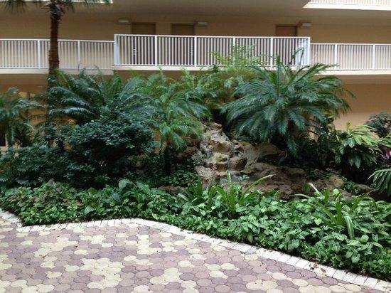 International Palms Resort & Conference Center : Vue du centre de la tour