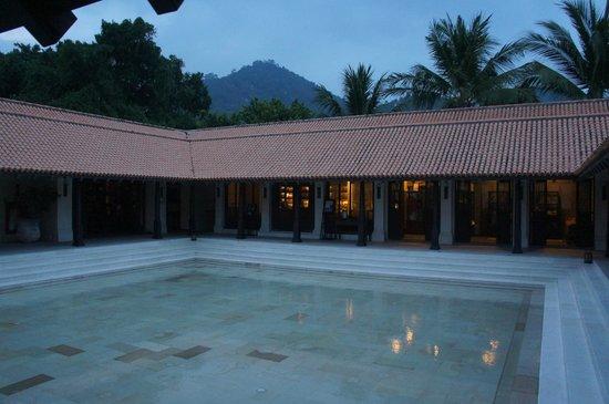 Le Meridien Koh Samui Resort & Spa : Reception/Spa/Bar/Library/Shop area