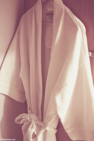 Bond Place Hotel : In-room Amenities: the branded bathrobe