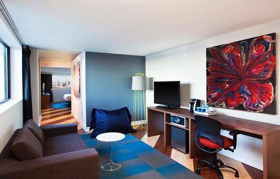 Aloft Nashville West End: Guest Suite Living