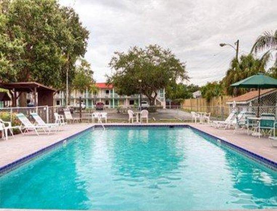 Photo of Super 8 Sarasota