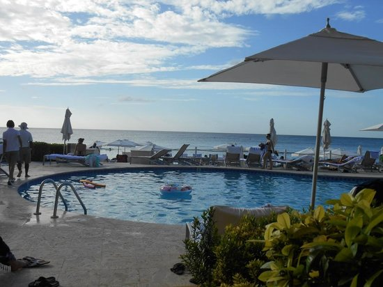 Grand Cayman Marriott Beach Resort : Room with a view