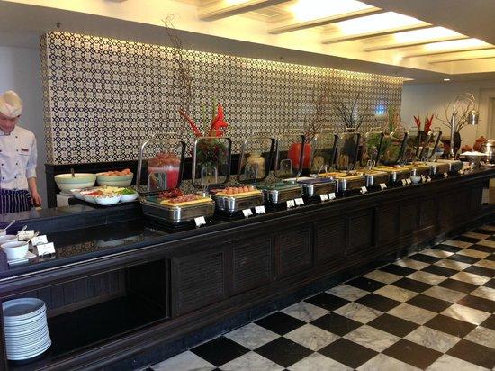 Centara Grand Beach Resort Samui: Breakfast Buffet