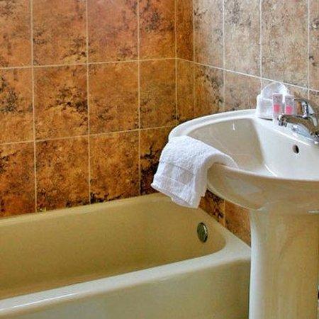 Starlite Hotel: Bathroom