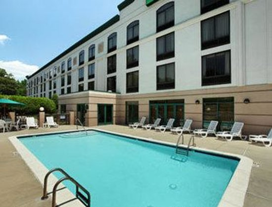 Wingate by Wyndham Charlotte Airport South/ I-77 Tyvola: Pool