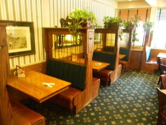 Marie Callender's: smokey glass partition booths