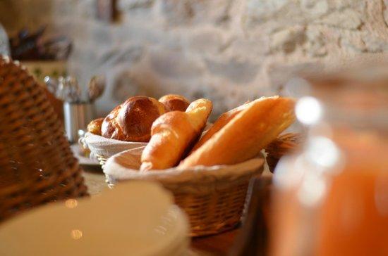 Manoir de la Riviere : Breakfast yummies!