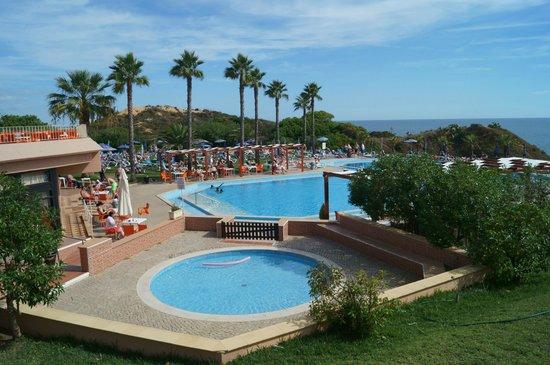Auramar Beach Resort: Pool area (3 pools all together) 2