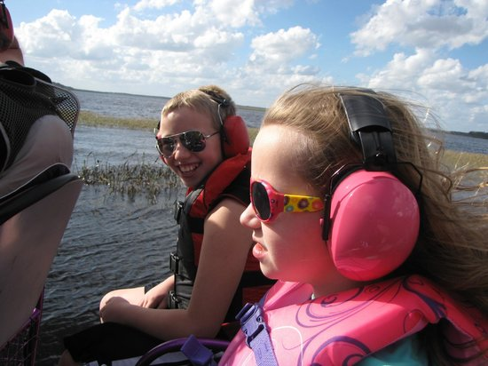 Alligator Cove Airboat Nature Tours: Kids loved it!!!