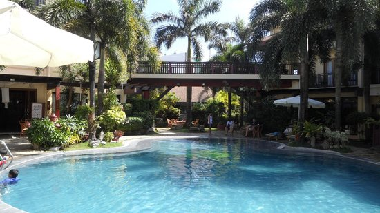 Best Western Boracay Tropics Resort : Территория отеля