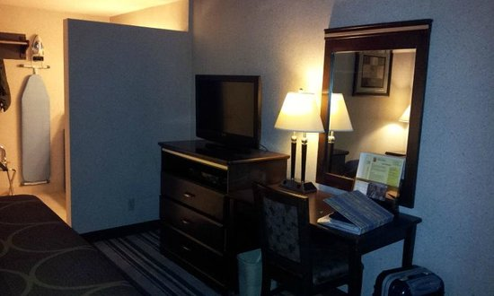 Super 8 Los Angeles-Culver City Area: room4