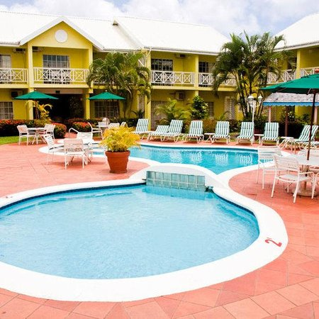 Bay Gardens Hotel: BGHGrounds Jul