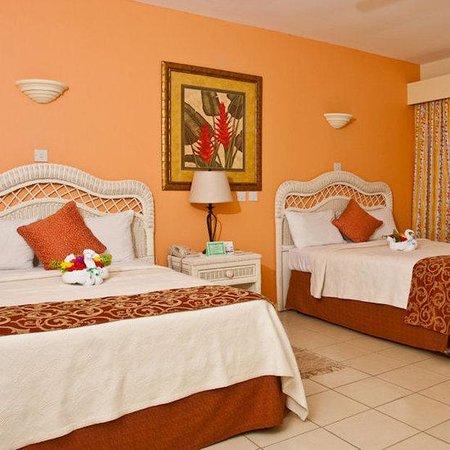 Bay Gardens Hotel: Guest Room
