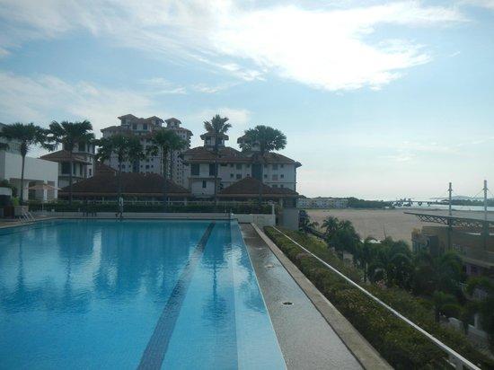 Holiday Inn Melaka: Pool