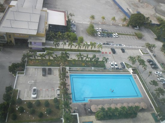 Holiday Inn Melaka: Pool View