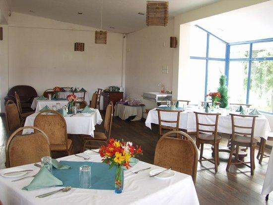 Pello Lake Resort: Dining area