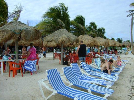 Mahahual Beach: Free Chairs