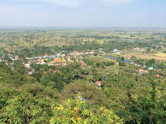 Delux Villa: view of battambang from phnom sampeau summit