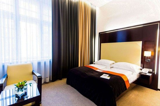 The Levante Parliament: Superior Double Room