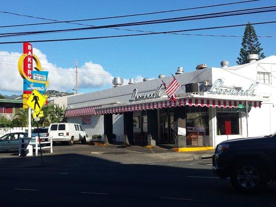 Leonard's Bakery: Store Front