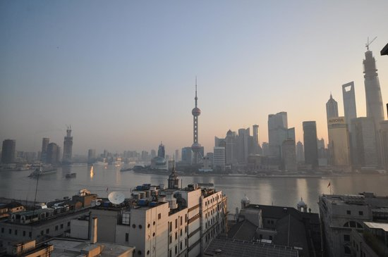 Waldorf Astoria Shanghai on the Bund: good morning Shanghai, view from the room.