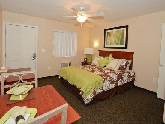 Legacy Suites - Tolleson: Queen Room