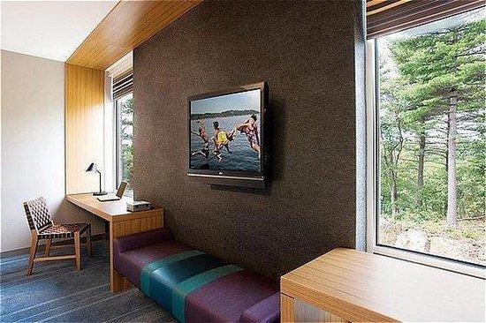 Aloft Lexington: aloft room desk