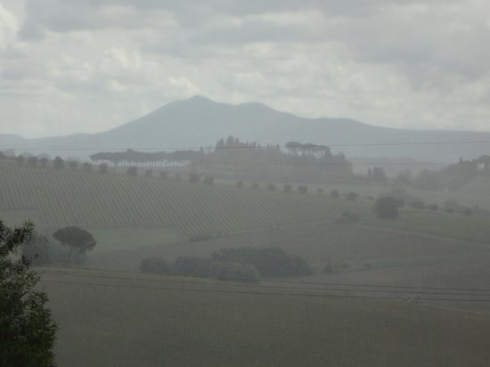 Avignonesi : Captivating view at lunch...landscape shrouded in the mist