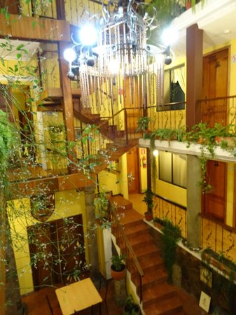 Hostal Mia Leticia: Atrium