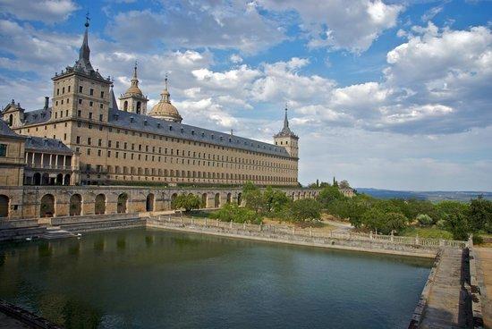 Monasterio y Sitio de San Lorenzo de El Escorial: Escorial