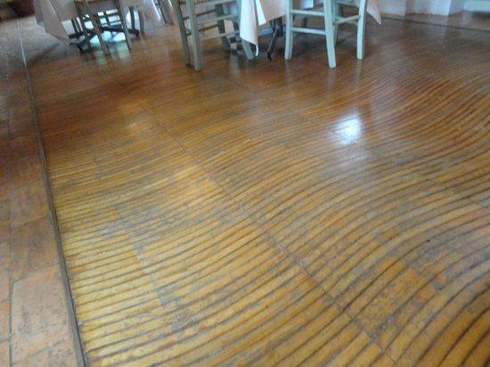 Avignonesi : Wine Barrel Wood Floors...so awesome!