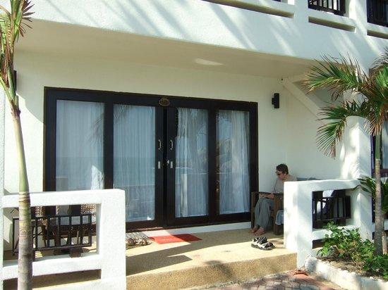 Crystal Bay Beach Resort: our room with it's veranda