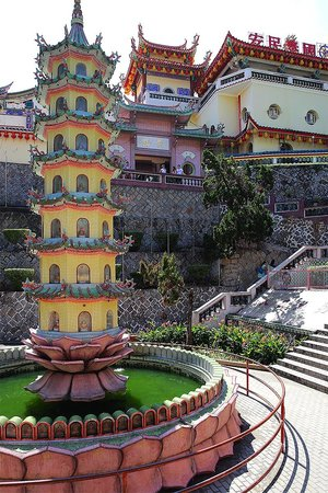 Kek Lok Si Temple: Temple ground