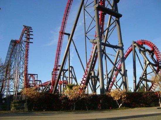 Six Flags Magic Mountain: X2
