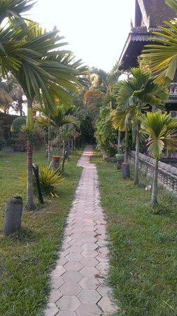 Angkor Spirit Palace: Территория отеля