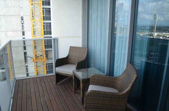 Fraser Suites Perth : Balcony