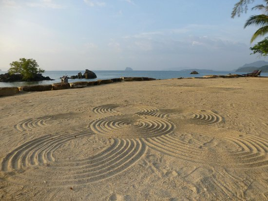 Phulay Bay, A Ritz-Carlton Reserve: Yes there is a beach!