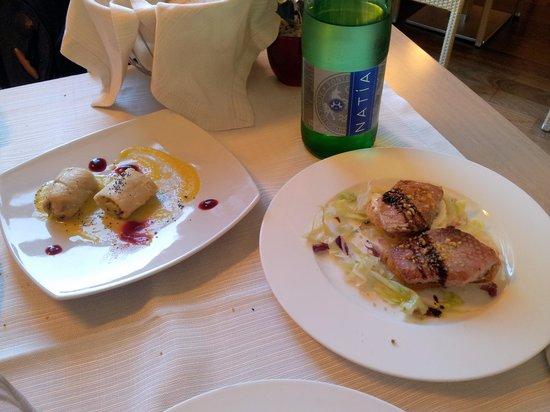 Ristorante Regia: Tonno scottato con crostini e stracciatella e involtini di pesce spada con funghi porcini