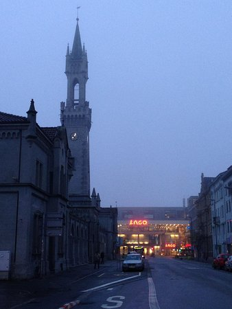 Hotel Halm Konstanz: Right outside the hotel, tower is the train/bus station and the big shopping mall on the back.